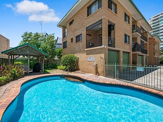 1BR in Cotton Tree - Just a stroll to shops, cafes, beach, river and clubs