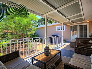 Gorgeous Outdoor Entertaining - 2 Minute Walk to the Beach