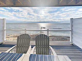 You Deserve the Best! Brand New 4 BR with Lakefront Deck 12 ppl max C105