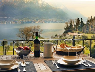Charming Lake View Apartment