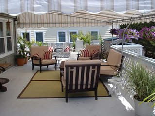 Tropical Feel-2nd floor, Huge Covered Furnished Deck-Quietest Area of Island