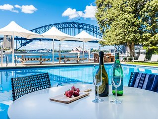 Spectacular Harbour Views + Amazing Pool and VIVID2019 *25% DISCOUNT BE QUICK