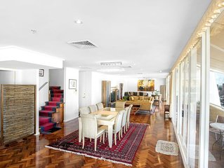 Luxurious apartment at Hardware Lane, 3 Bed Gym Pool and many more