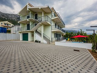 Lovely Apartment with Panoramic Sea Views & Swimming Pool