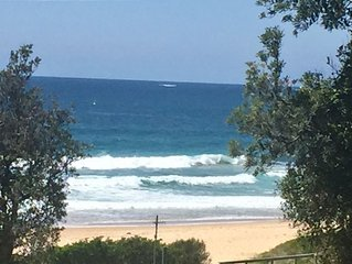 Beautiful, new ocean view accomodation located at the fabulous Mollymook Beach.