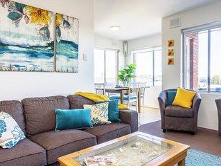 Manly Beach Pad - Sunny unit near Manly Beach with ocean & beach views & garage