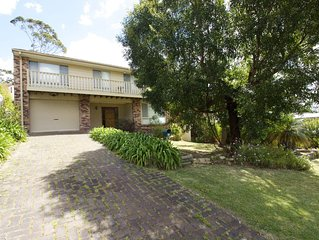 735 - Delightful Home - Large three bedroom home in Vincentia -FREE WIFI