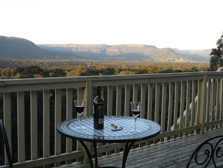 Hillside Kangaroo Valley:      A secluded cottage with magnificent valley views