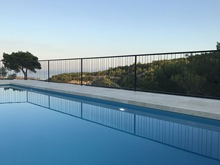 Villa Pietra - brand new villa with heated swimming pool