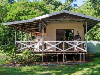 Hibiscus Cottage - rainforest with private creek