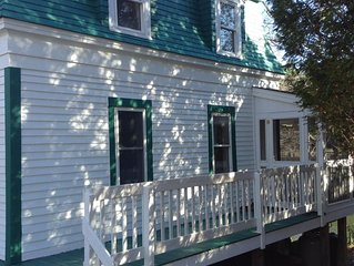 Classic Maine Cottage with Screen Porch