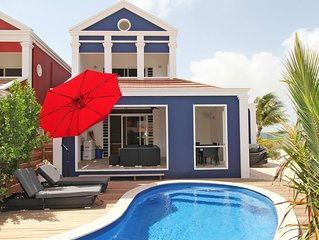 Tropical villa with private pool - Family Vacation Home!