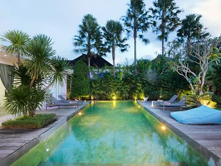 Villa Bahia 10mn walk to Central Seminyak Oberoi
