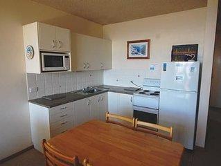 Unit 7 - Flynns Beach Apartments - Flynns Beach