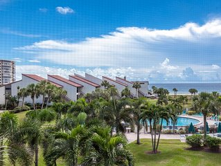 Beautifully Updated 2 Bedroom Gulf View Unit Overlooking the Pool