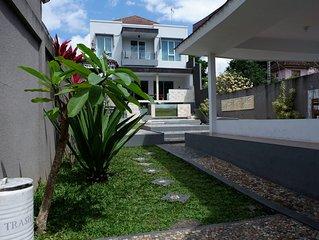 4 Bedroom Luxury Villa in Kerobokan