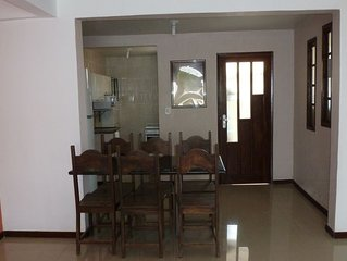 Apt 2Q + dep sala ampla em ótimo condominio fechado na praia  Stella Mari