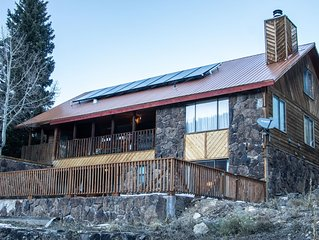 High End Mountain Retreat- In town with incredible views and much more!