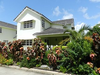 3 bedroom Townhouse close to Beach