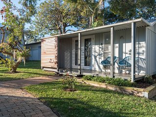 The Cottage at Jacksons at Bundeena. Cozy garden cabin suitable for 2 guests.
