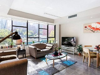 Your Spacious Home in the heart of Melbourne with 3BR Apartment