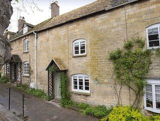 Heart of idyllic Winchcombe is this beautifully renovated 18th century cottage,