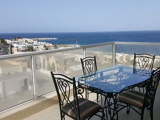 Brand new, lovely, sea view Qawra apartment