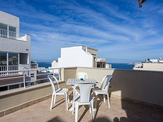 Seaview Penthouse, Modern, Top Location, 30meters to seafront, quiet location