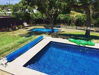 Limeburners Family Retreat - pool & trampoline