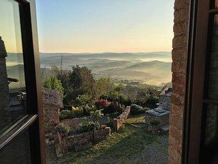 Alma Vignoni is an exclusive holiday house in Vignoni Alto (Bagno Vignoni)
