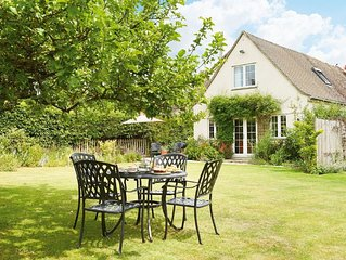 Moore Cottage is situated in a beautiful part of the Cotswolds and surrounded by