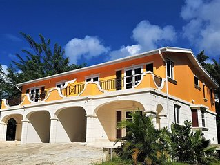 Luxury Villa just 2 minutes walk to the gorgeous Mullins Beach