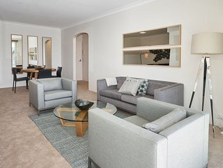 Ocean view apartment with a stroll to Bronte Beach