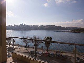 Outstanding Designer Sliema Seafront apartment, 3 bedroom, sleeps 6, seaside