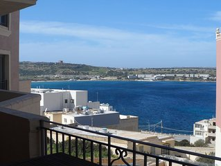 Luxury Apartment 3 Bed-3 Bathrooms with Balcony, Pool, Seawiew