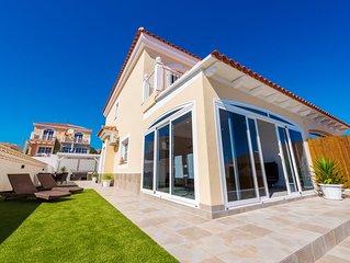 Luxury modern 2 bed villa sleeps upto 5