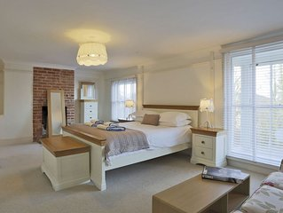 Tastefully furnished cottage with three floors, offering a relaxing stay