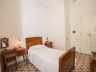 Camera Singola bagno privato nel centro di Cagliari