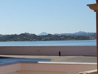 Casa vacanze a La Maddalena con speldida terrazza a 50 metri dal mare