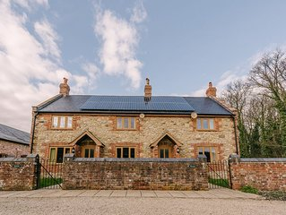 ATTRACTIVE  Rural Cottage in Dorset  Hot Tub & Pool, sleeps 6.
