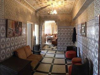 Chez Mina, appartement lumineux et spacieux, beldi et cuisine moderne, au calme