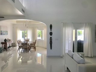 25% Off Summer Sale -  3 - Bedroom Luxury Villa , Long Bay Beach , private pool