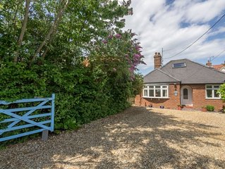 Delightful single storey property with pretty cottage gardens