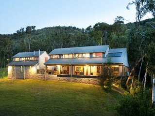 Bright Barn Retreat....17 Acres of Secluded Luxury