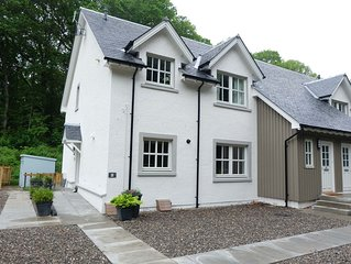 Peaceful situation, yet walking distance to centre of town, dog friendly.