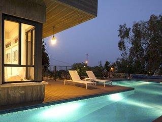 Villa in Rosh Pinna, 6 bedrooms, 5 bathrooms, sleeps 16