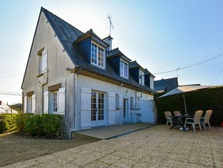 Semi-detached home with garden, 500m from the beach, golf course - Cote d'Armor