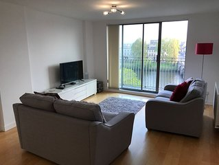Perfect Location Glasgow City Centre Apartment with Stunning River Clyde Views
