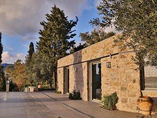 Villa Amfithea at the Montofoli Wine Estate, Luxury Living 180-View, POOL, WIFI