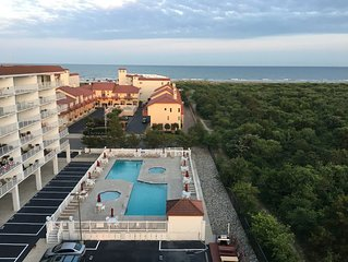Spectacular Views from Comfy Condo in Wildwood Crest/Diamond Beach, NJ